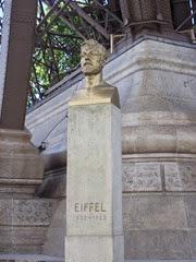 2014.04.20-004 statue d'Eiffel