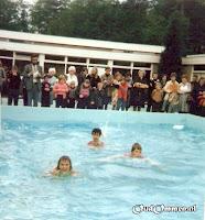Zwemmen in ons eigen zwembad, verkregen door grote inzet van ouders en vrienden van de Boslust