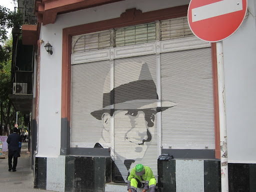 Images of tango singer Carlos Gardel can be found throughout Abasto.