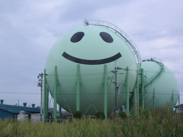 decorated-gas-tanks-japan-2