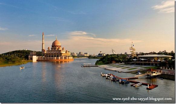 Masjid Putra – Putrajaya, Malaysia