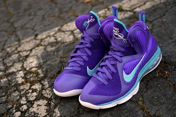 Nike LeBron 9 Hornets Pack Shoes Socks AW77 Hoody