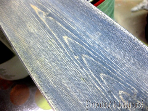 DIY Aged & Distressed Barn Boards {Sawdust & Embryos}