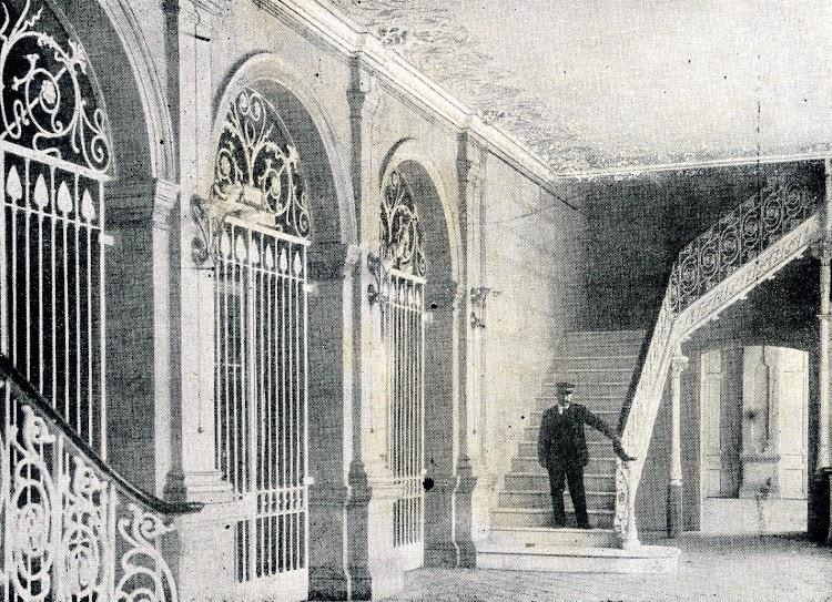 Vestibulo. De la Memoria sobre el estado y adelanto de las obras del puerto de Barcelona durante los años 1.907 a 1.910, ambos inclusive.JPG