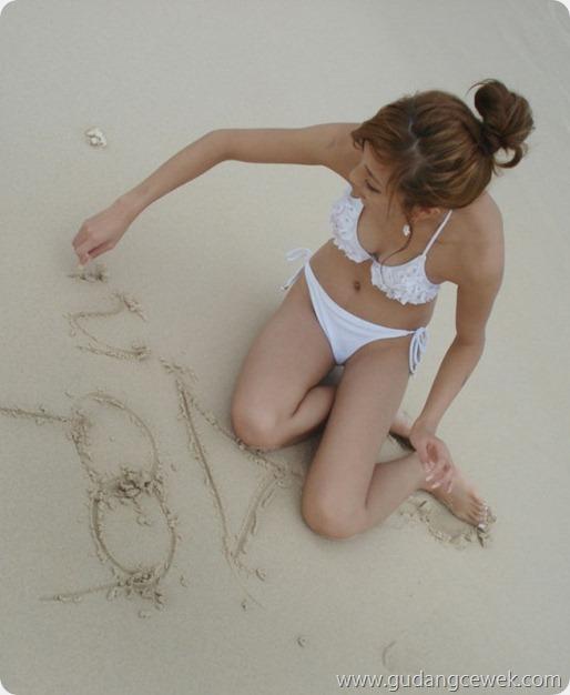 Zhang Nina Model Seksi dari Beijing || gudangcewek.com