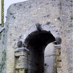 02 - Puerta de Volterra