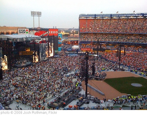 'billy joel at shea stadium' photo (c) 2008, Josh Rothman - license: http://creativecommons.org/licenses/by-nd/2.0/