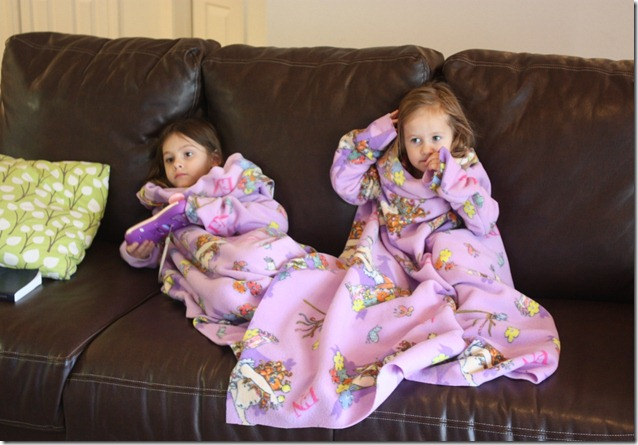 DIY Snuggie girls