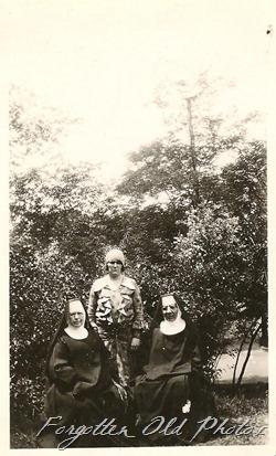 Sisters 1930 July 22 Bismarck Moorhead Ant