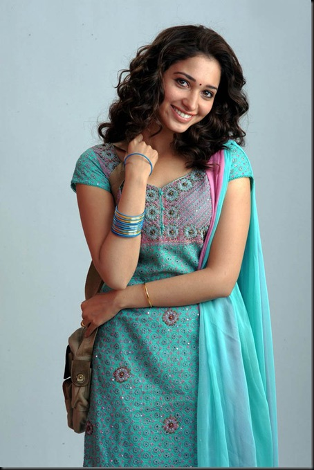 Tamanna-latest-cute-photo-11