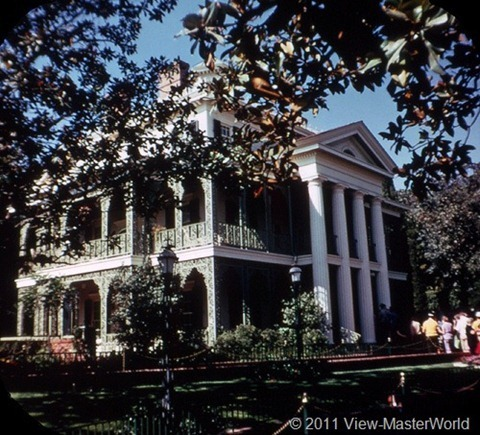View-Master New Orleans Square (A180), Scene 3-1: Haunted Mansion Exterior