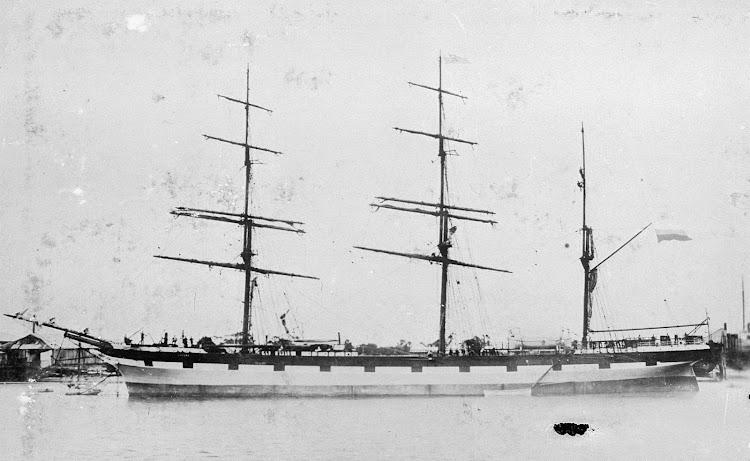 La barca LOCHEE. Foto State Library of Victoria.jpg