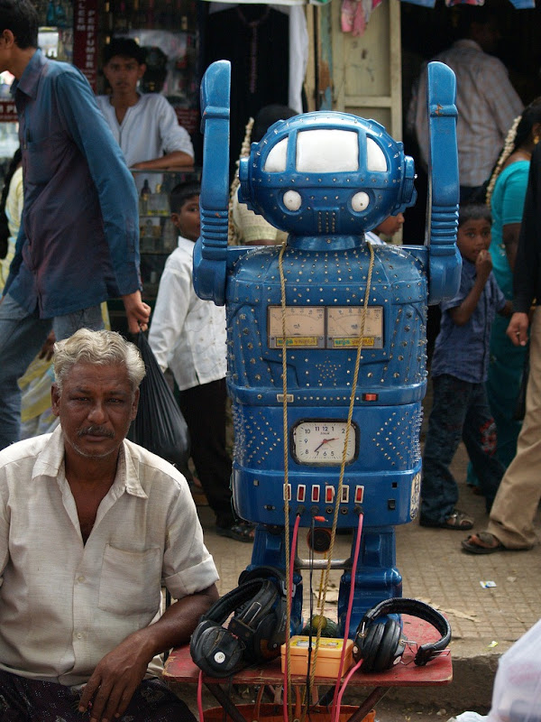 fortune-telling-robots-7