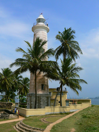 Things to do in Galle: see the lighthouse