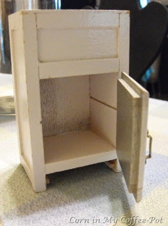 Ice Box Miniature