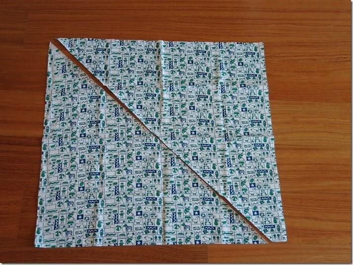 08_Tecido cortado em 2 triângulos_thumb[1]