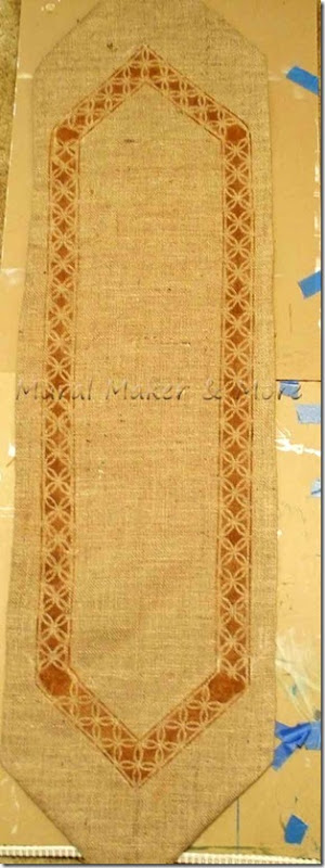 stenciled-burlap-runner-13