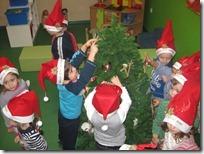 στολίζουμε το δέντρο μας (4)