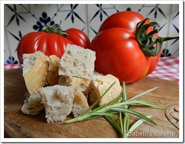 tomates coeur de boeuf et pain