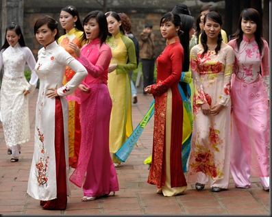 ao-dai-traditional-dress-of-vietnamese-girl