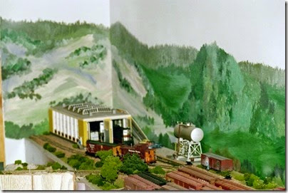 303359681 Dad's Layout in Early 2004