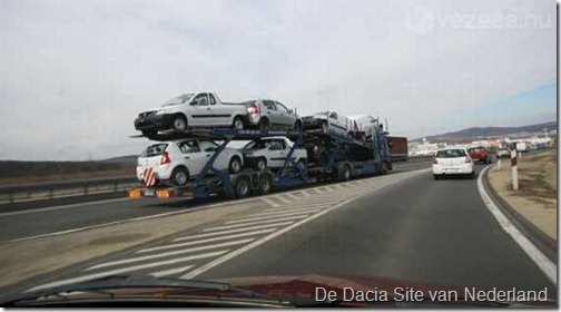 Dacia Logan Pick Up op transport 01