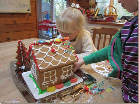 12-24 Gingerbread house 3