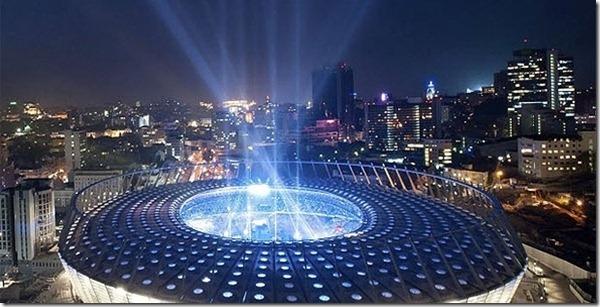 vista-geral-do-estadio-olimpiyskiy-em-kiev-na-ucrania-arena-sera-usada-para-jogos-da-eurocopa-de-2012-e-tem-inauguracao-prevista-para-sabado-dia-8-de-outubro-1318008883167_615x300