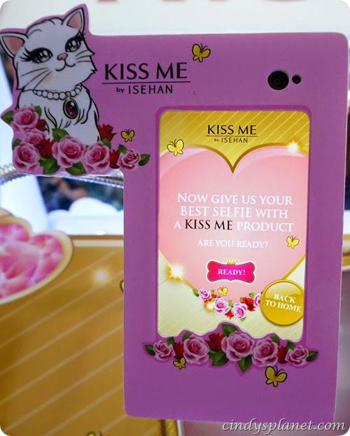 Kiss Me Selfie9