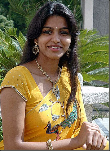 dhanshika_in_saree