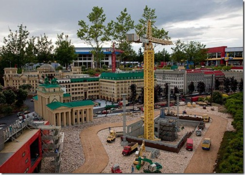 the_craziest_lego_model_is_in_germanys_legoland_640_07