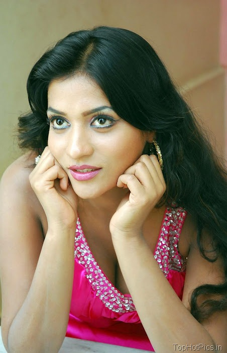 Anitha Reddy Pink Dress Pics 3