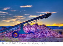 'Split Firewood Conveyor Belt Machine' photo (c) 2010, Dave Dugdale - license: http://creativecommons.org/licenses/by-sa/2.0/