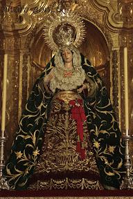 esperanza-guadix-vestida-para-la-coronacion-canonica-de-la-soledad-alvaro-abril-2012-(2).jpg