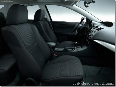 Mazda 3 Sedan9