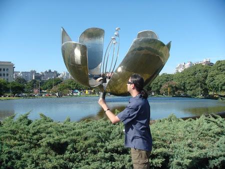 Obiective turistice Argentina: laleaua de inox Buenos Aires