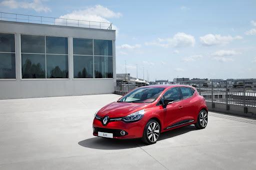 2013-Renault-Clio-Mk4-08.jpg