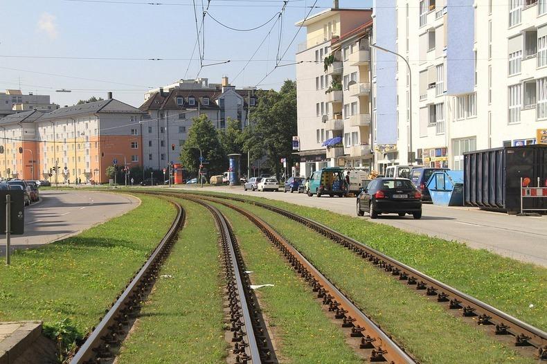 grass-tram-tracks-10