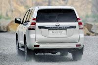 2014-Toyota-Land-Cruiser-Prado-16.jpg