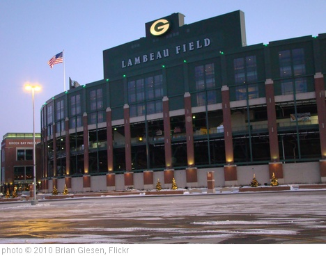 'Lambeau Field' photo (c) 2010, Brian Giesen - license: http://creativecommons.org/licenses/by/2.0/