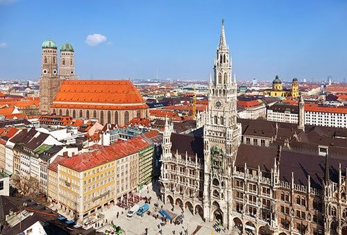 640px-Stadtbild_München