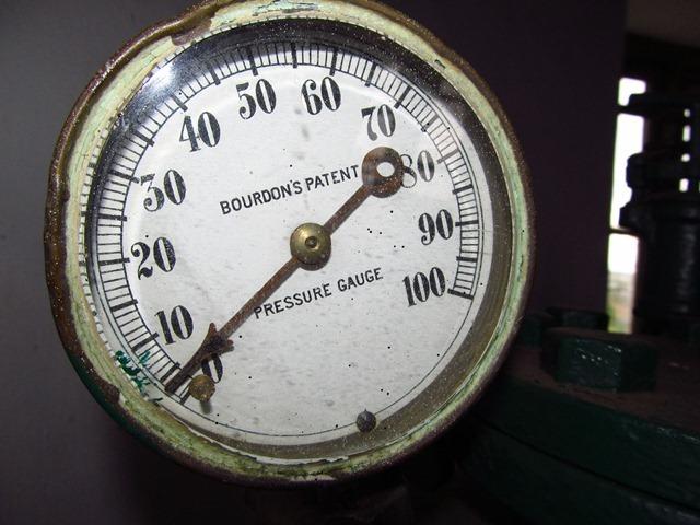 Bourdon Tube Pressure Gauge. Patent troll.