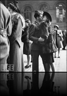 November 11-RemembranceDay-SocialCommentary-War 2