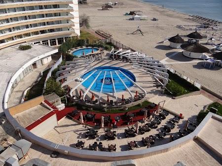 04. Piscina la hotel Vega.JPG