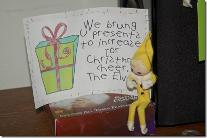 2011_1201_Christmas-elves-4