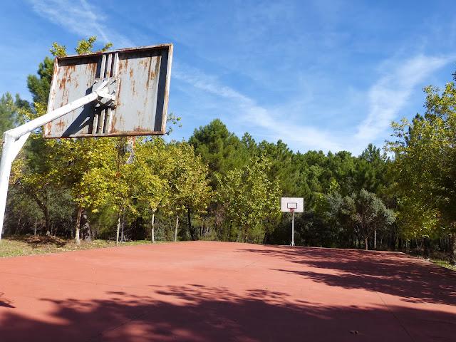 Pista baloncesto.JPG