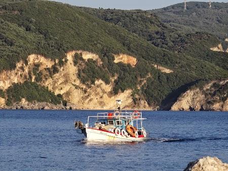 12. Vas de pescari in Corfu.JPG