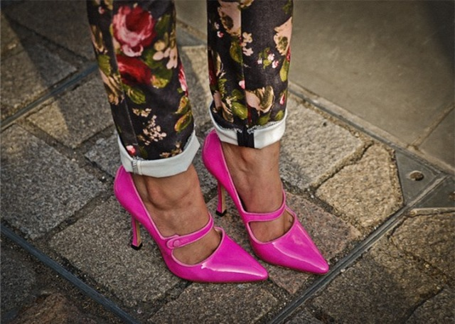 Pink-shoes-street-style-620x442