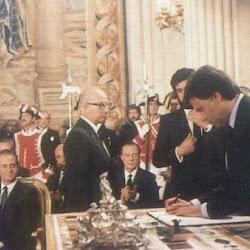Firma de la adhesión de España a la CEE en junio de 1985