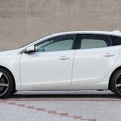 2013-Volvo-V40-New-27.jpg